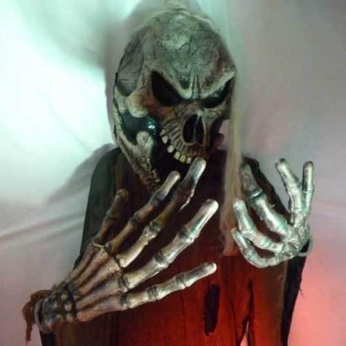 Large Hanging Skeleton Ghoul